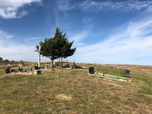 Students lend a helping hand at Ponka Cemetery